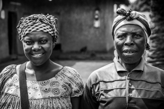 2NW Cameroonian Women BW